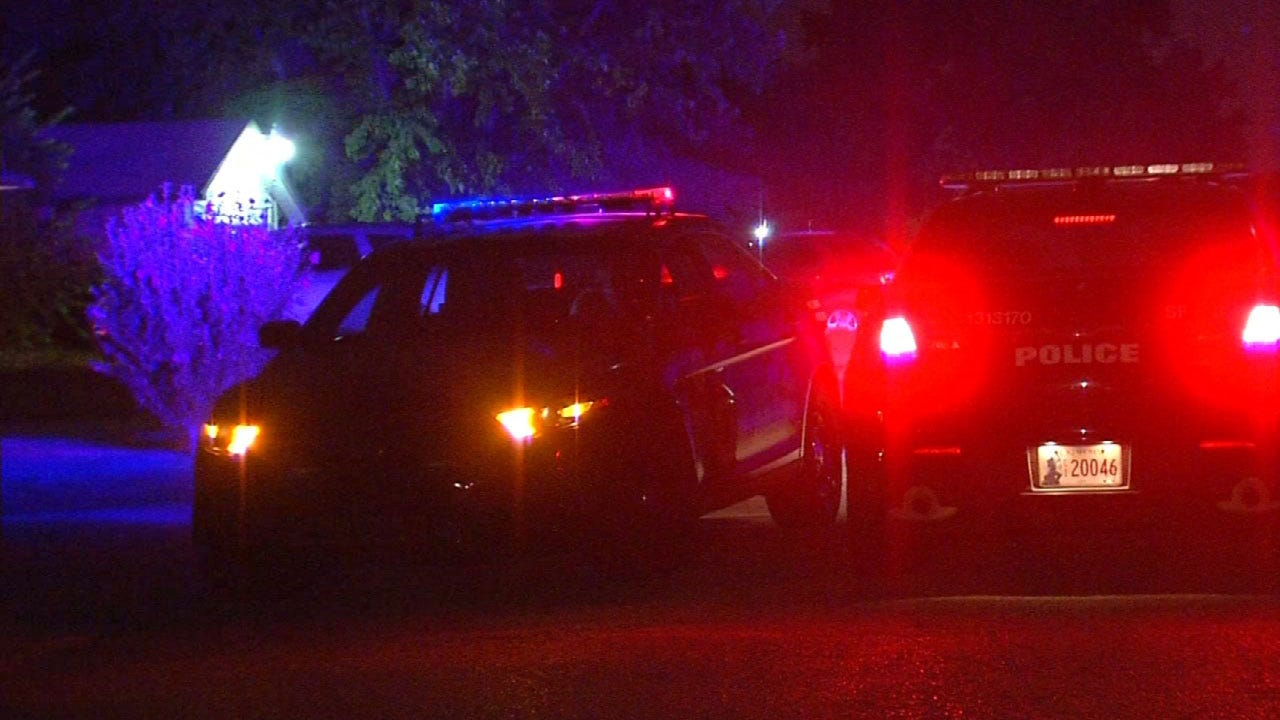 Woman Shot Inside Apartment In NW OKC, Suspect Wanted