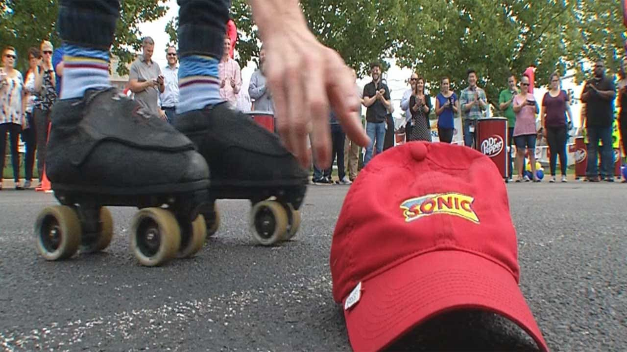 Top 5 Carhops Compete In Sonic Skate-Off