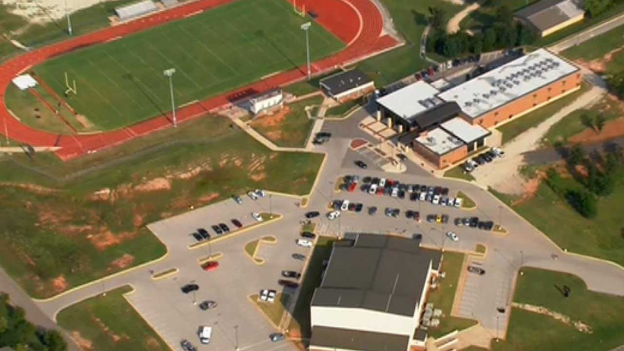 Police: Student Detained After Reportedly Stabbing Classmate At Luther HS
