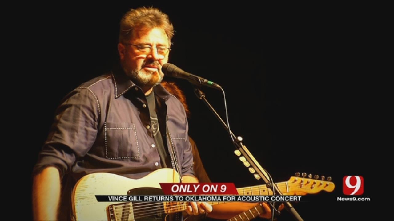 Oklahoma's Own Vince Gill Performs For Hometown Crowd