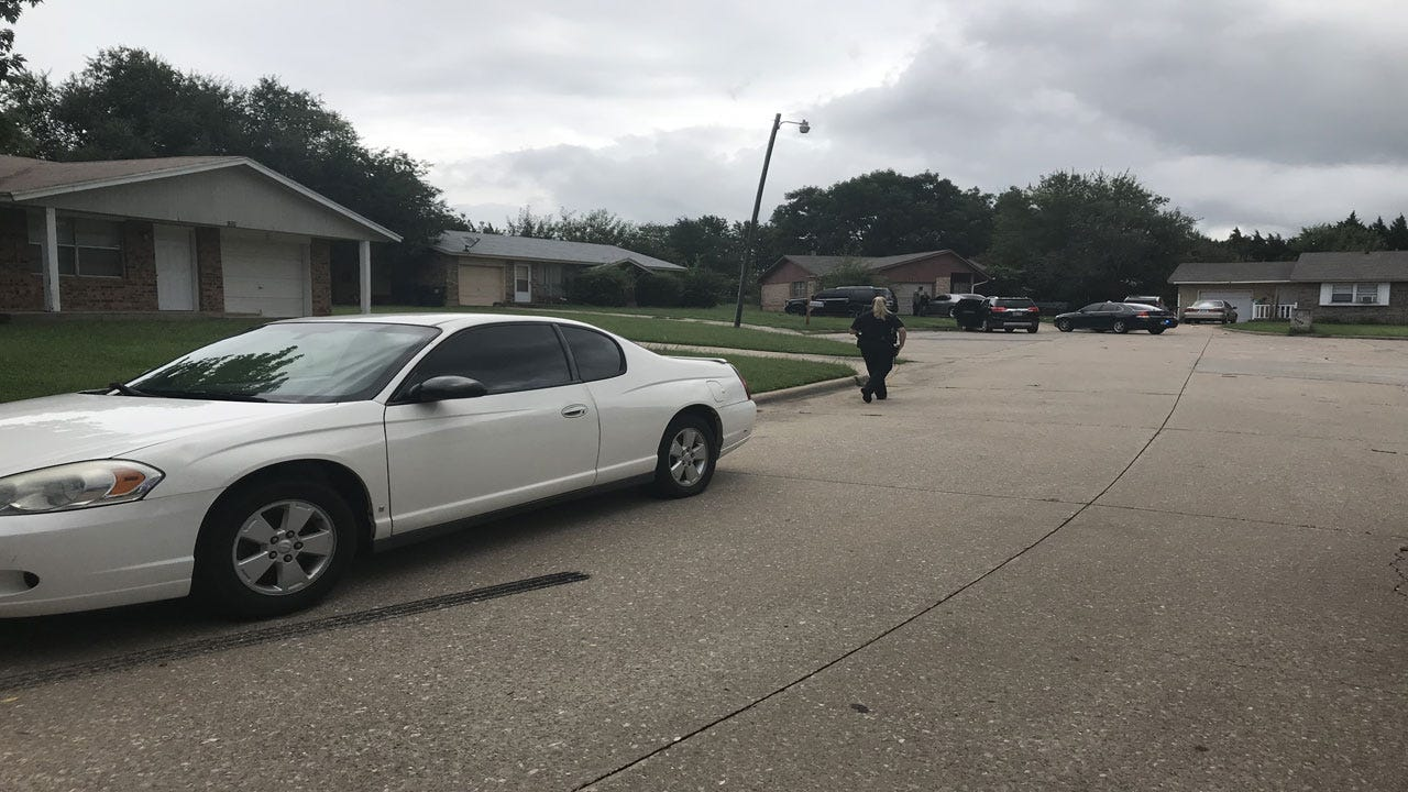 Stabbing Leaves 2 Injured In Midwest City