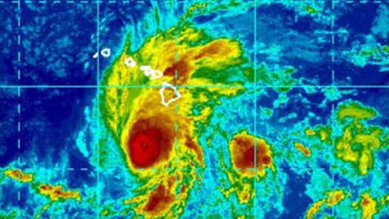 As Massive Hurricane Lane Nears, Hawaiians Have Nowhere To Go