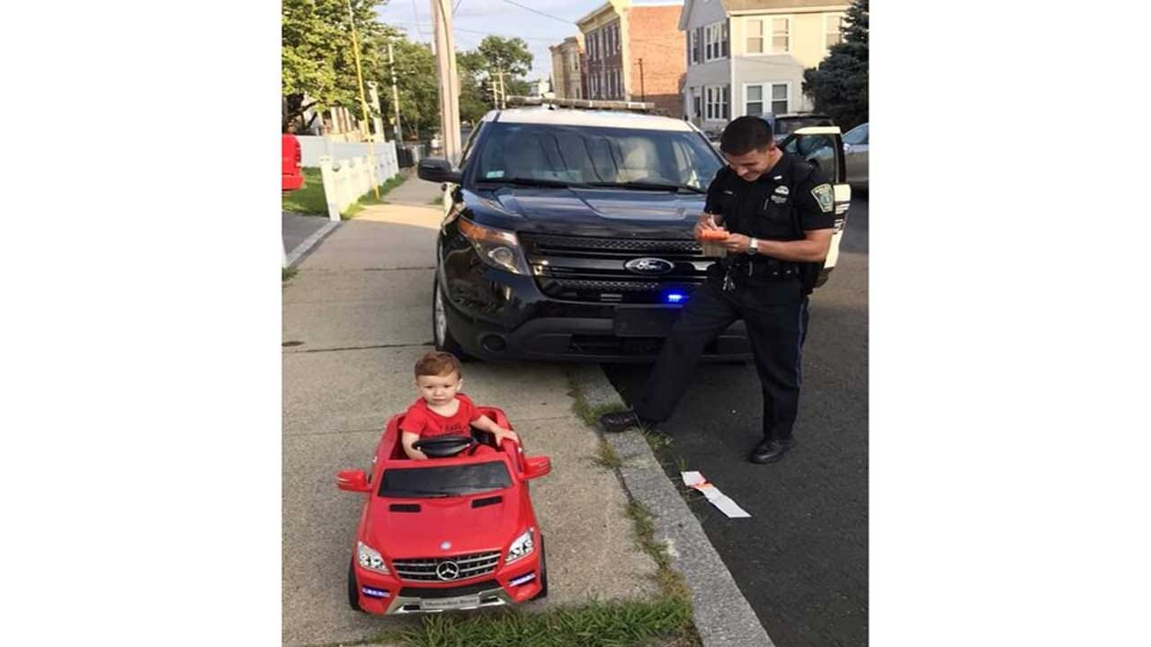 Do You Realize How Cute You Were Driving? Police Stops Tot