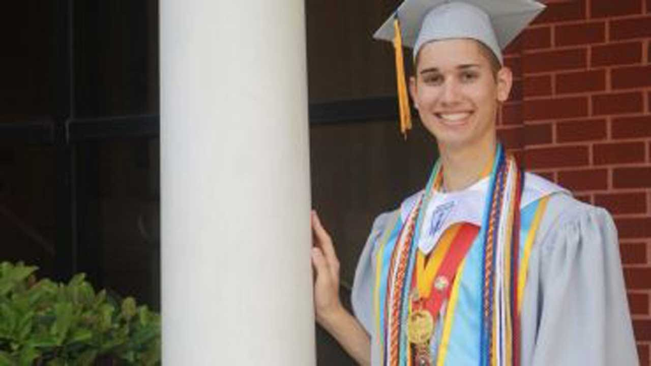 Gay Teen Kicked Out Of Home Will Pay $0 To Attend Georgetown