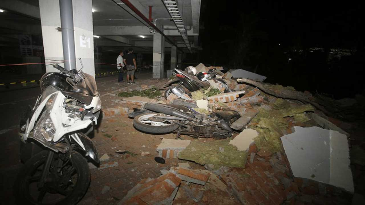 Strong Quake Hits Indonesia's Lombok Island; At Least 3 Dead