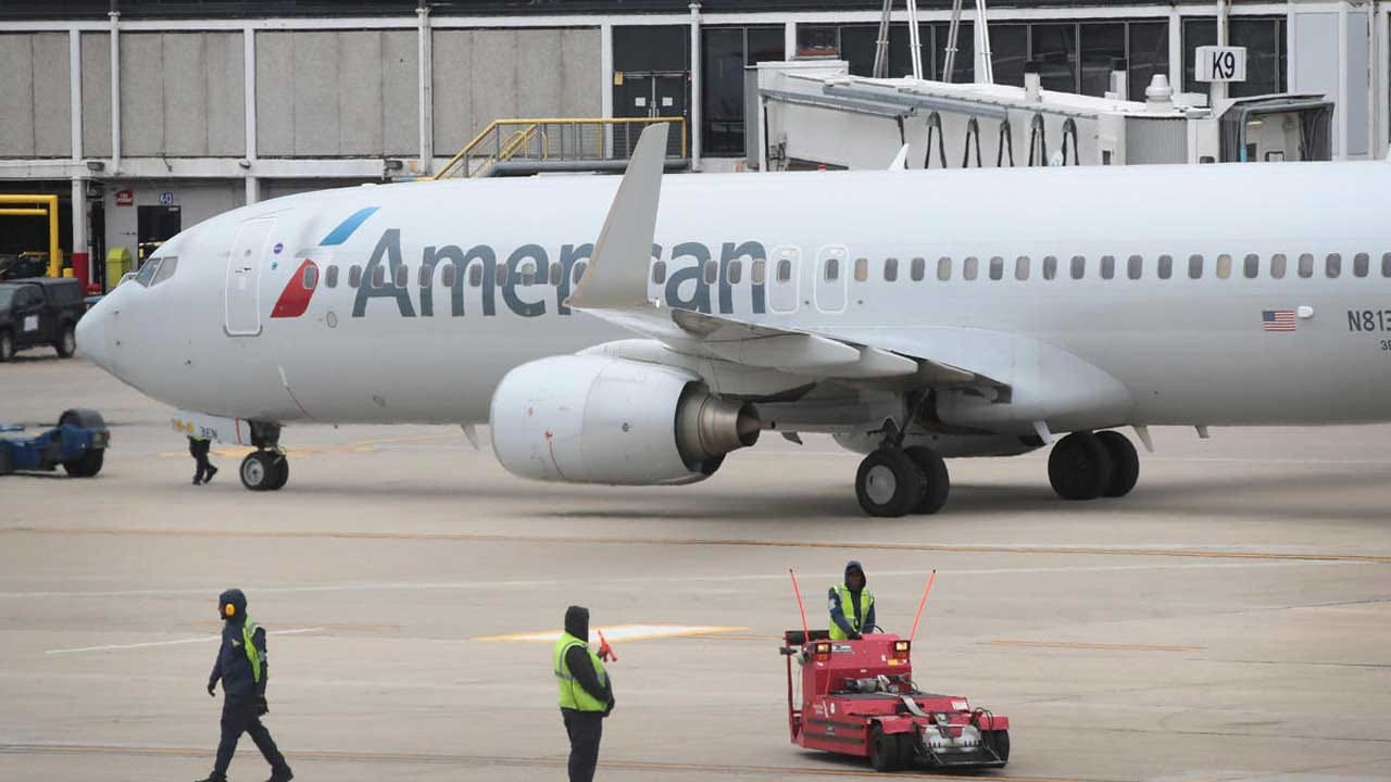 Dead Fetus Found In Plane Toilet At LaGuardia Airport Was Left By Pregnant Teen, Source Says