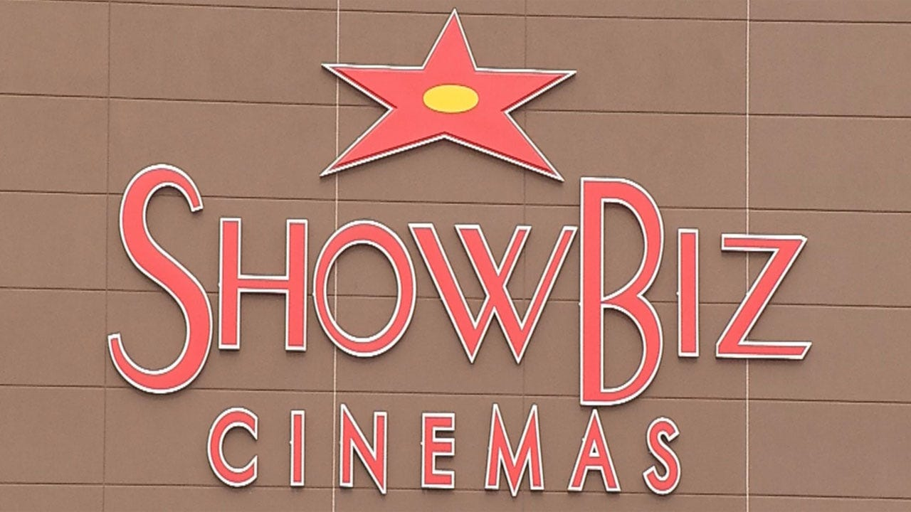 Showbiz Cinema Opens In Edmond