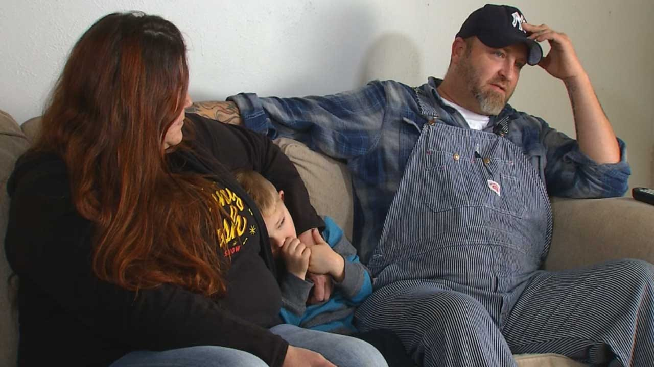 Disabled Veteran's Power Turned Off Right Before Christmas