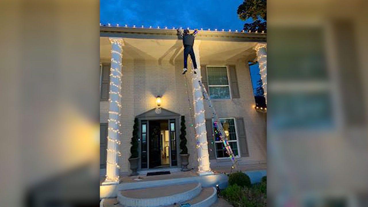 'Christmas Vacation' Holiday Display Causes Panic In Texas Neighborhood