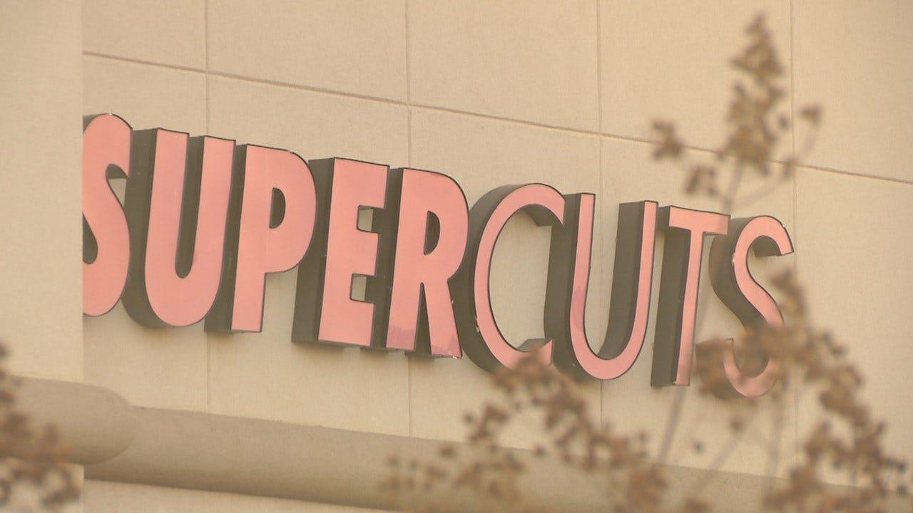 Robbed at Gunpoint: Victim Tells Man 'Have A Good Day'