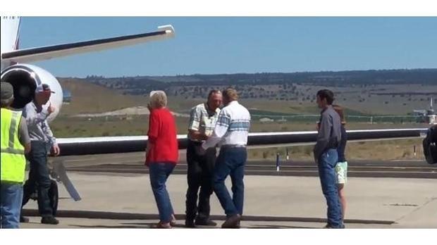 Oregon Ranchers Pardoned By Trump Arrive Home