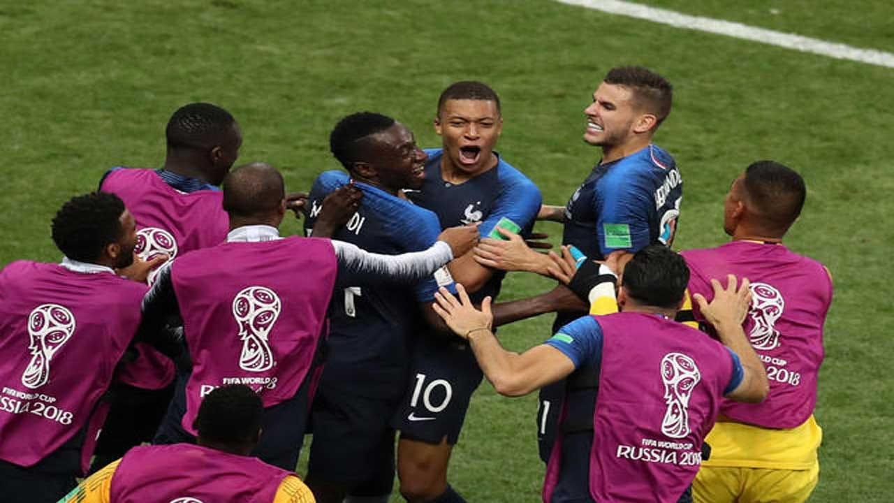 France Wins World Cup, Beats Croatia 4-2