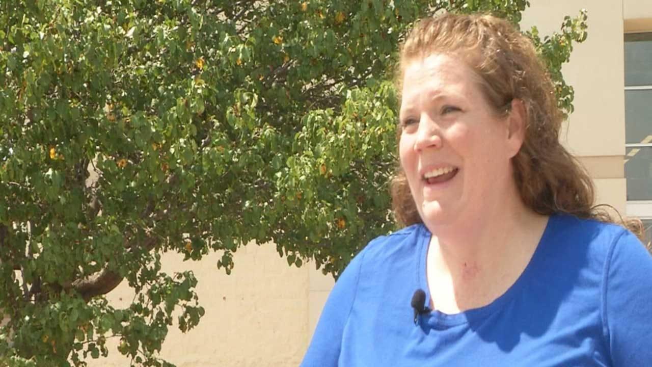 Stranger Buys School Supplies For Metro Teacher