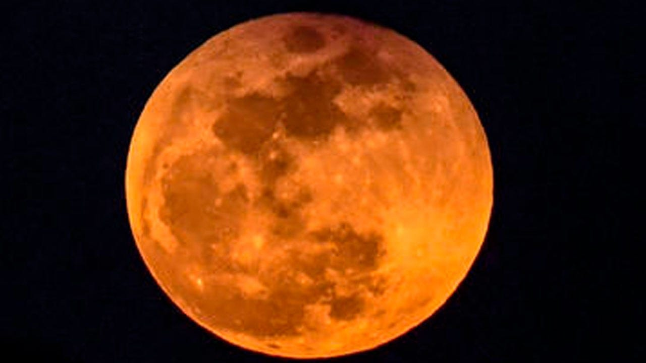 """""""Blood Moon"""" Eclipse, Mars Pairing Up For Astronomical Spectacle"""