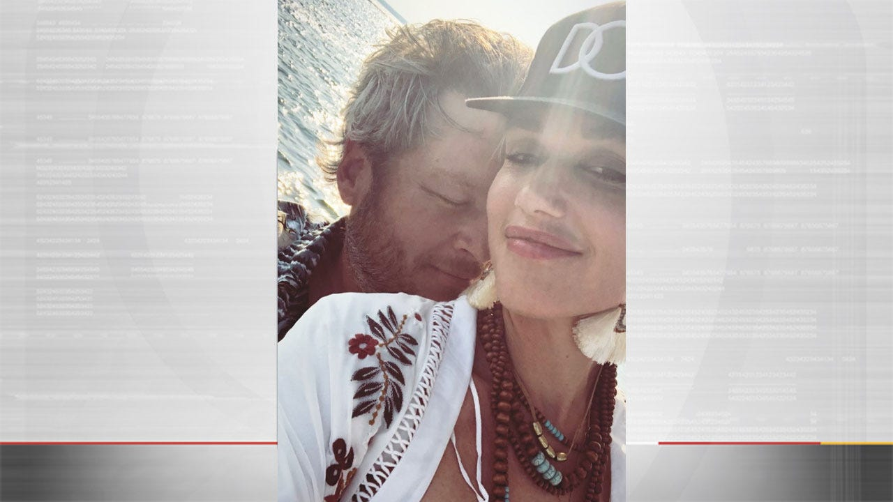Blake Shelton, Gwen Stefani Spend Time At Lake Texoma