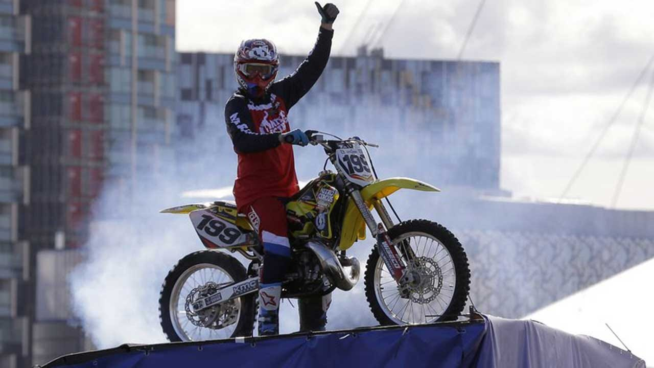 Ode To Evel: Pastrana Hopes To Clear Ceasars Palace Fountain