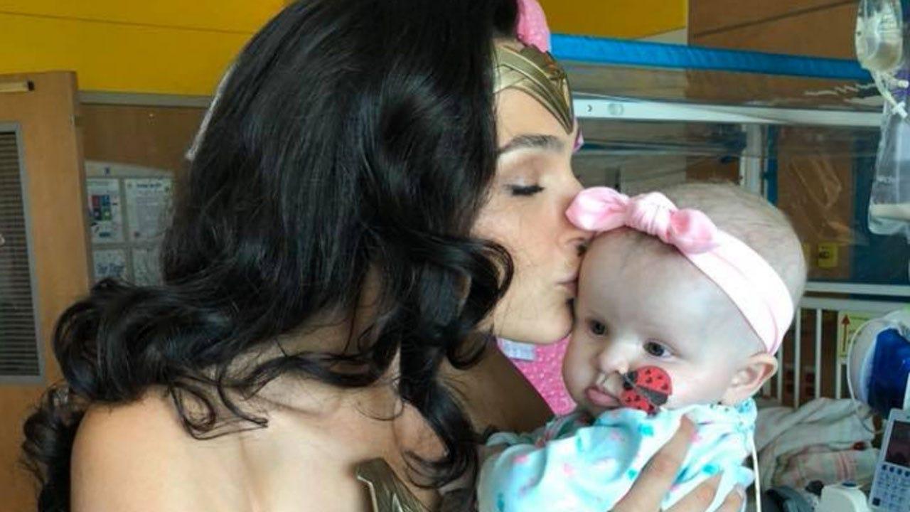 Wonder Woman Actress Visits Patients At Children's Hospital