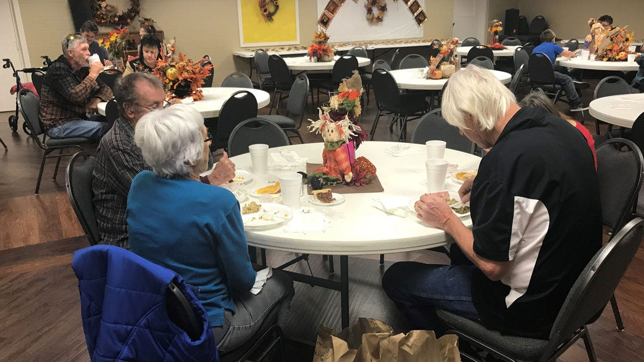 Lindsay Church Proivdes Thanksgiving Meal To Community