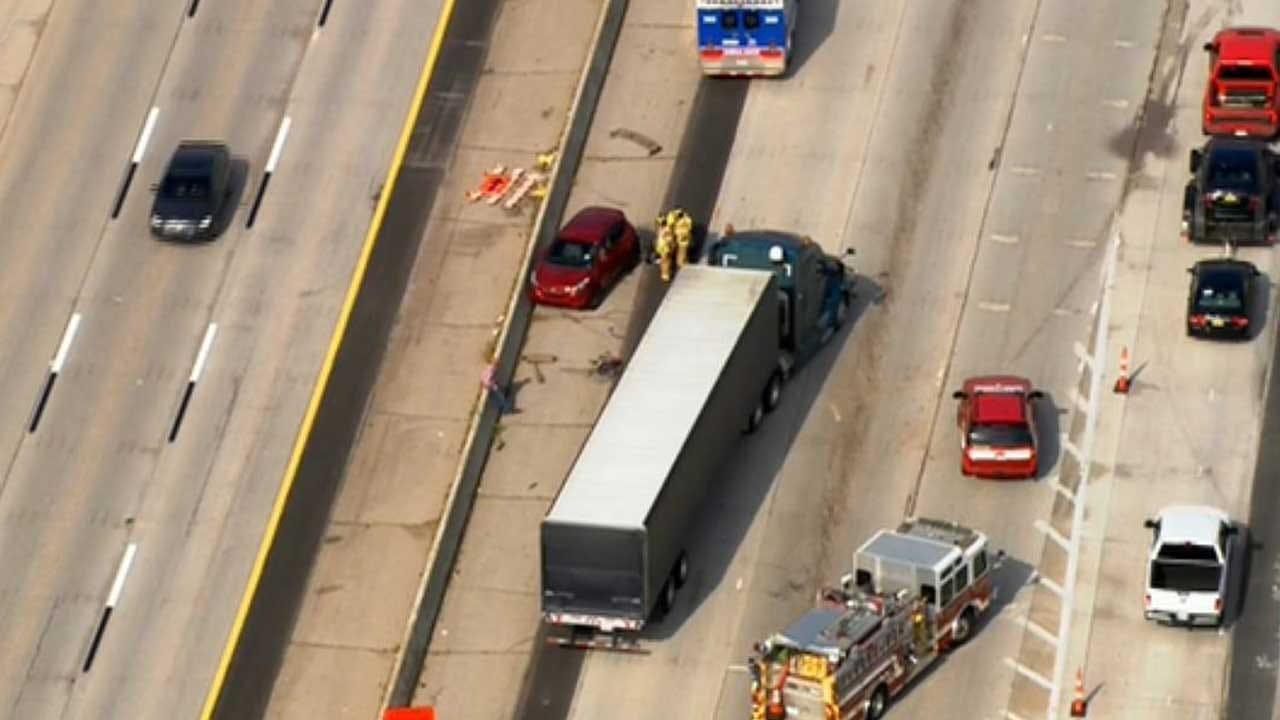 Crews Respond To Crash Involving Semi On I-35 In Edmond