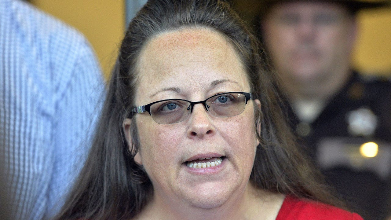Kim Davis, Clerk Who Refused To Issue Gay Marriage Licenses, Voted Out Of Office