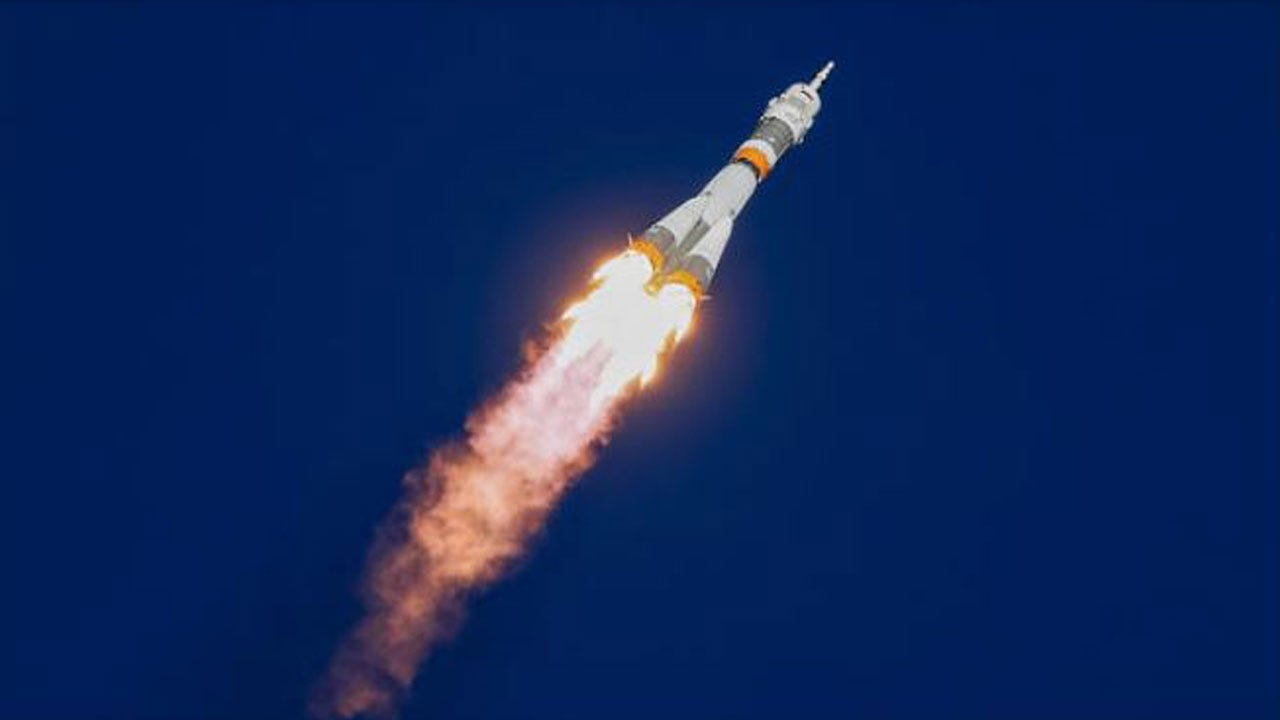 Astronauts From U.S. And Russia Make Emergency Landing After Booster Rocket Failure