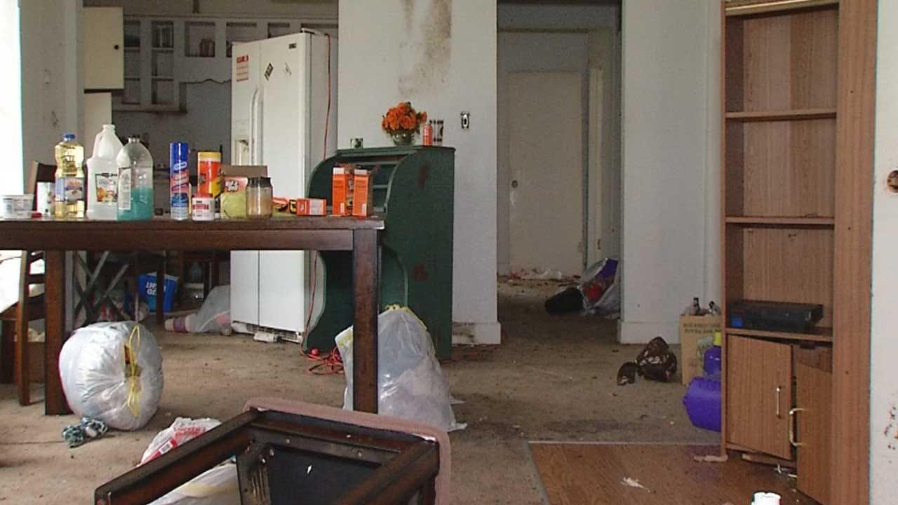 Earlsboro Police Chief Accused Of Trashing Rental Home