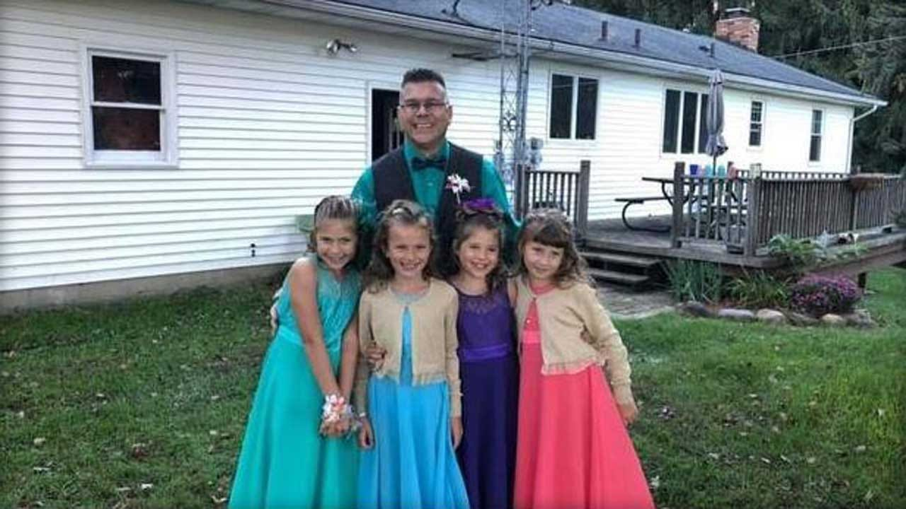 Teacher Takes Two Students To Daddy-Daughter Dance After Their Dad's Death