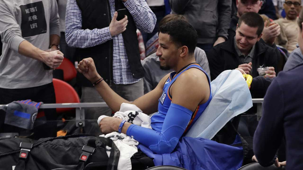 Andre Roberson Reinjures Left Knee During Practice Session