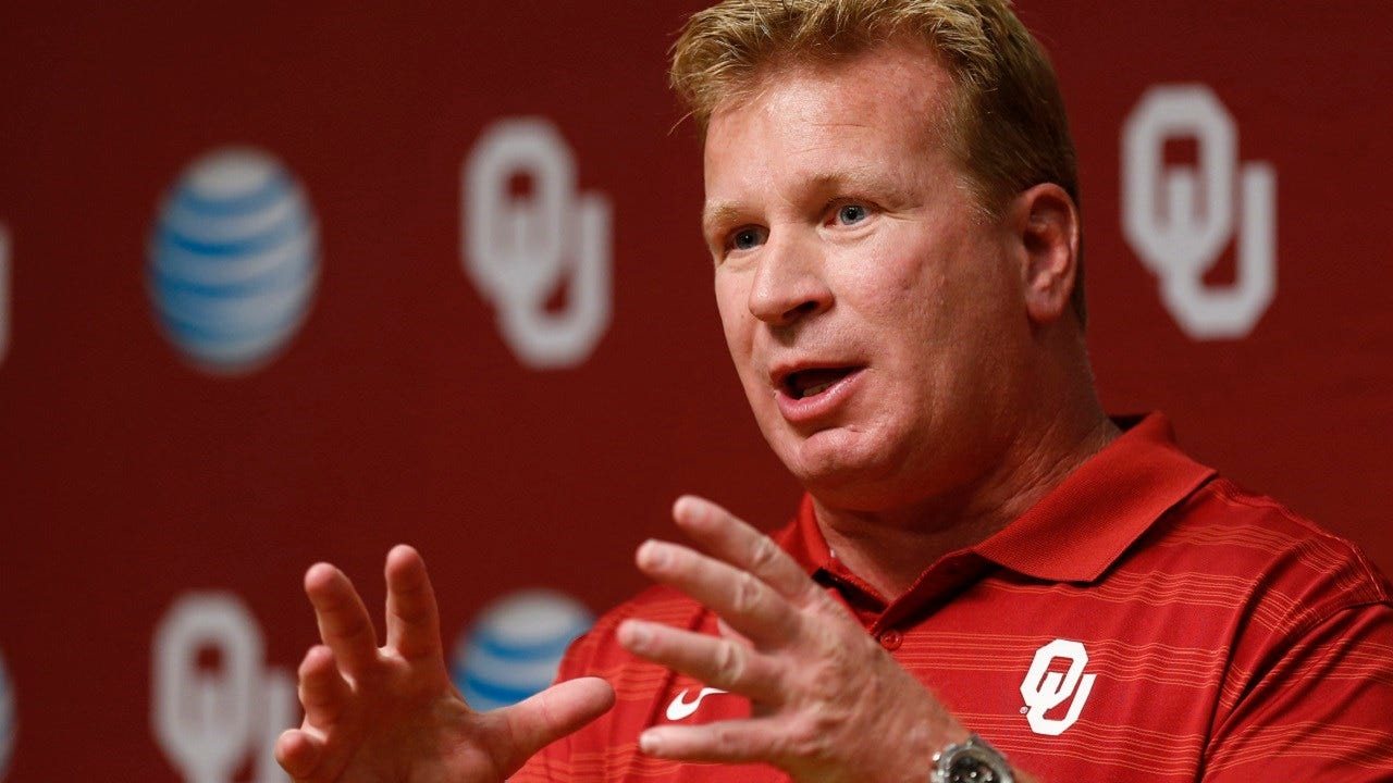 Dean's Blog: With Mike Stoops Fired, A 'Thank You' Should Balance Bashing