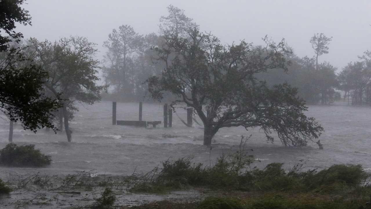 Federal Officials Halt Immigration Arrests During Hurricane Florence