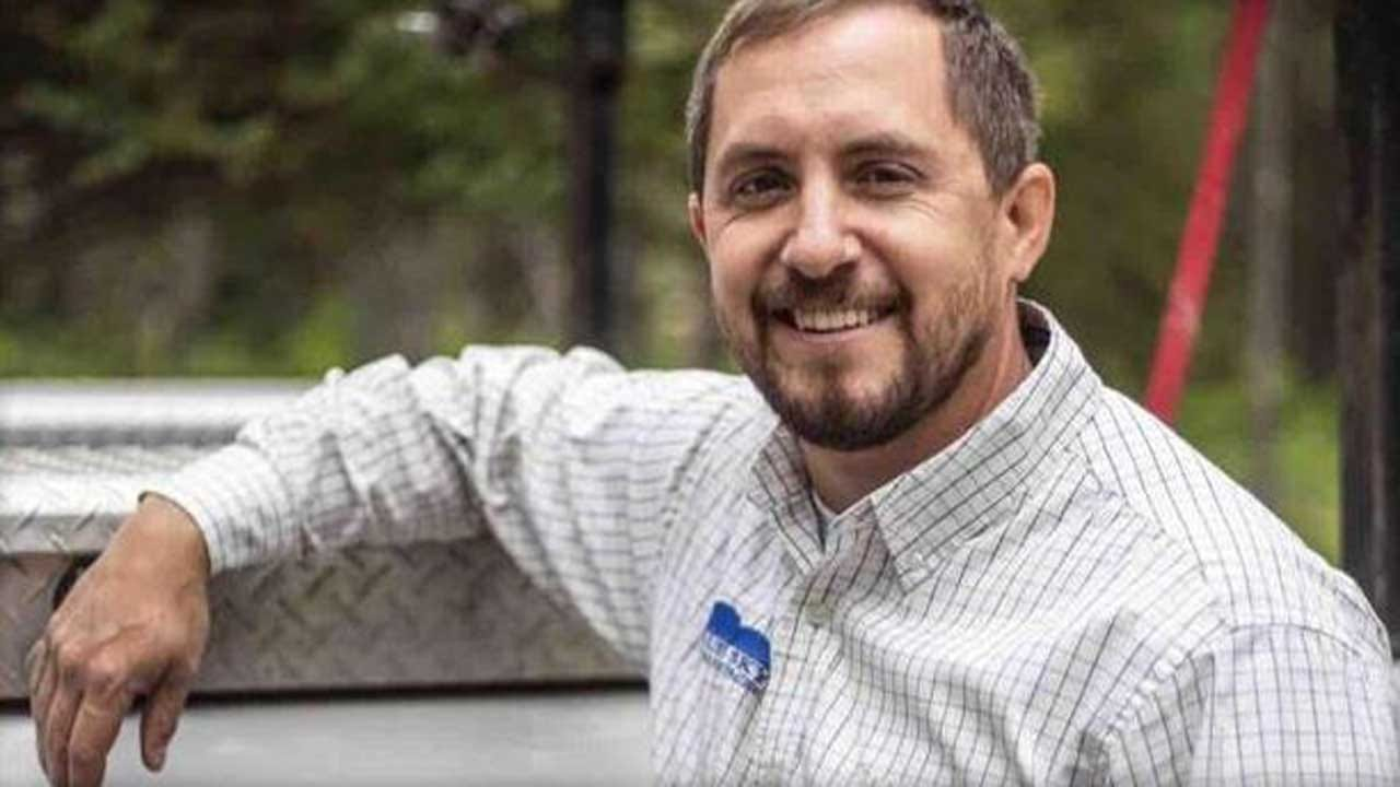 Officials Kill 2 Grizzly Bears Suspected Of Killing Hunting Guide, Injuring Client In Wyoming