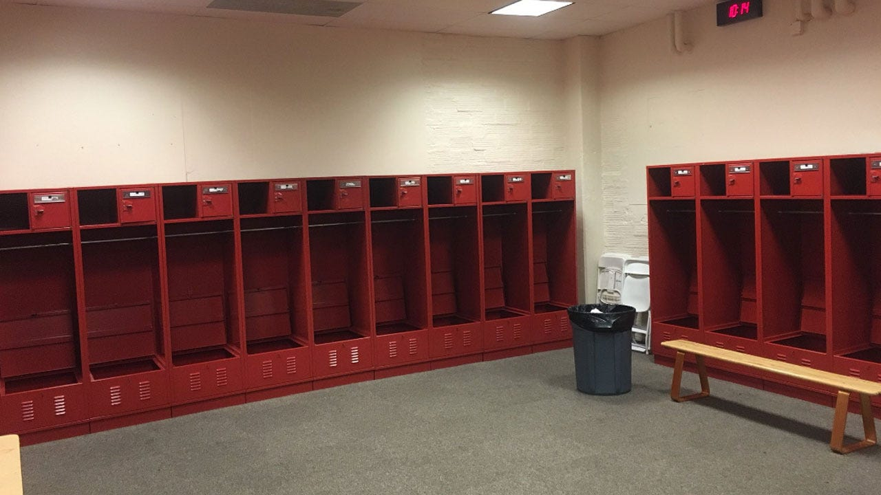 Army Football Leaves Locker Room Spotless After Showdown With Sooners