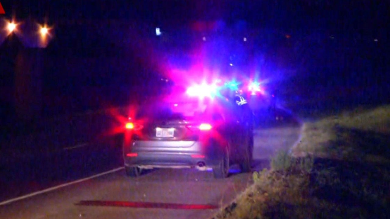 Police Investigating After Man Found With Gunshot Wounds Near I-35 And I-40