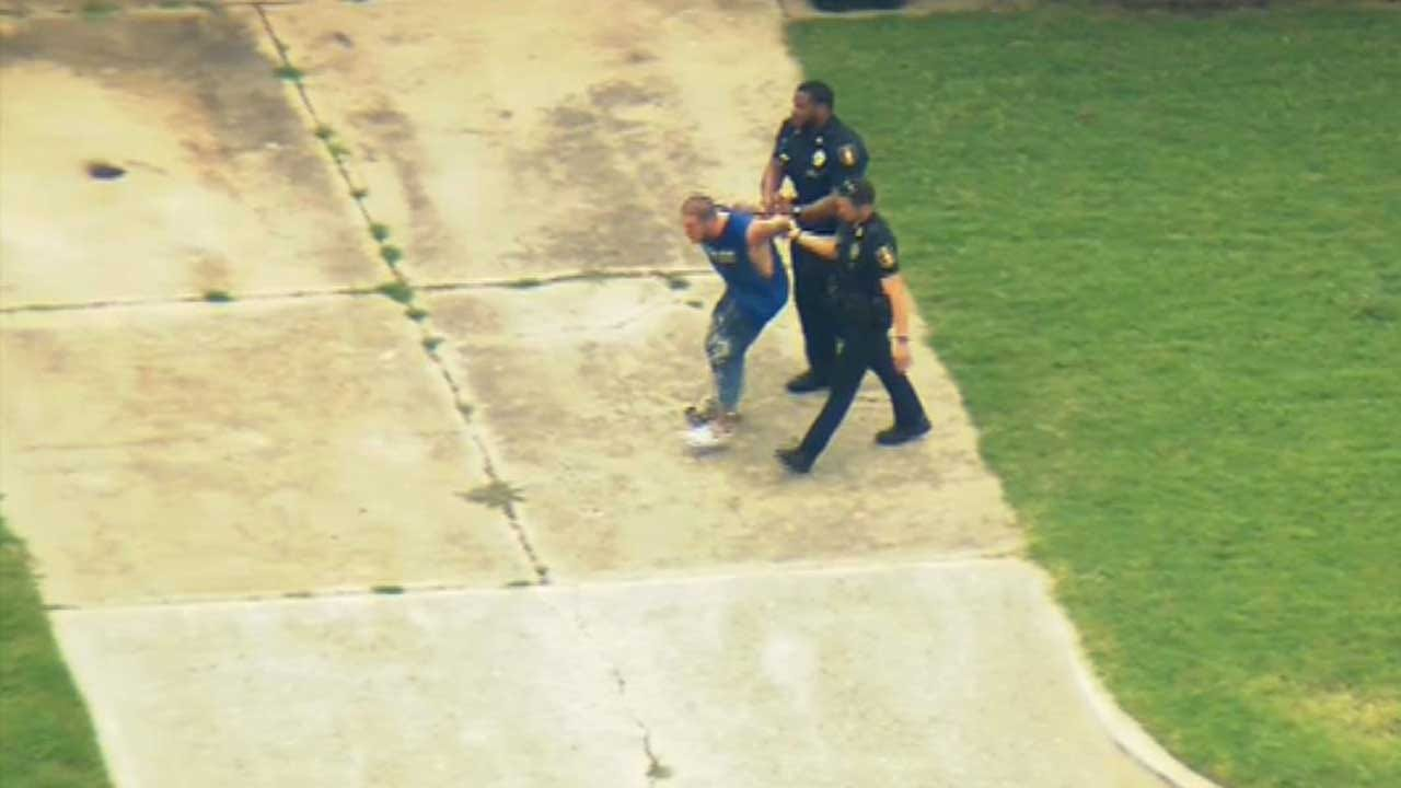 Suspect In Custody After Short Police Pursuit, Search In Moore