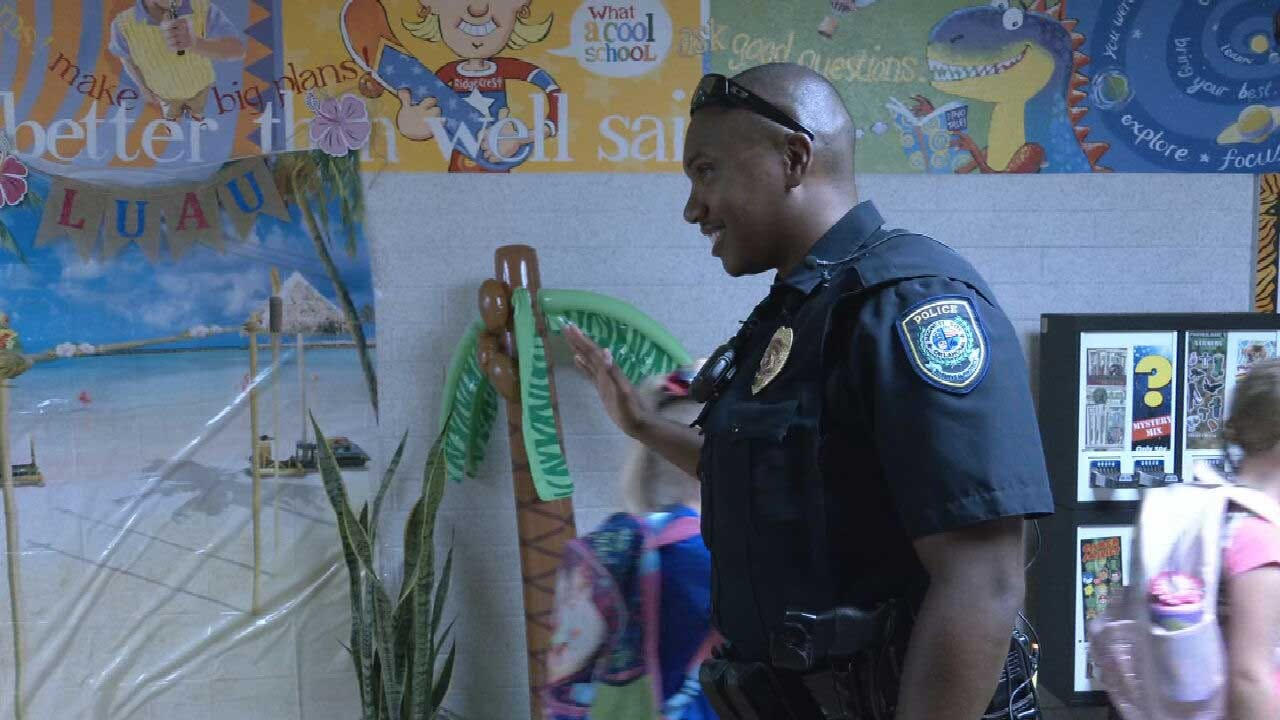 'They're Stoked To See Us': MWC Police Helping Keep Kids Safe By Patrolling Elementary Schools