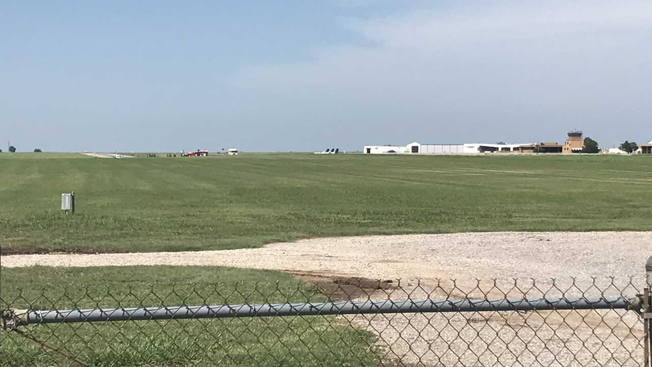 Crews Respond After Emergency Landing At Wiley Post Airport In OKC