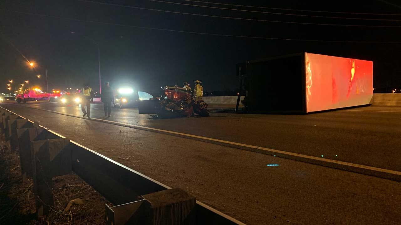 1 Seriously Injured After I-35 Crash Involving Semi