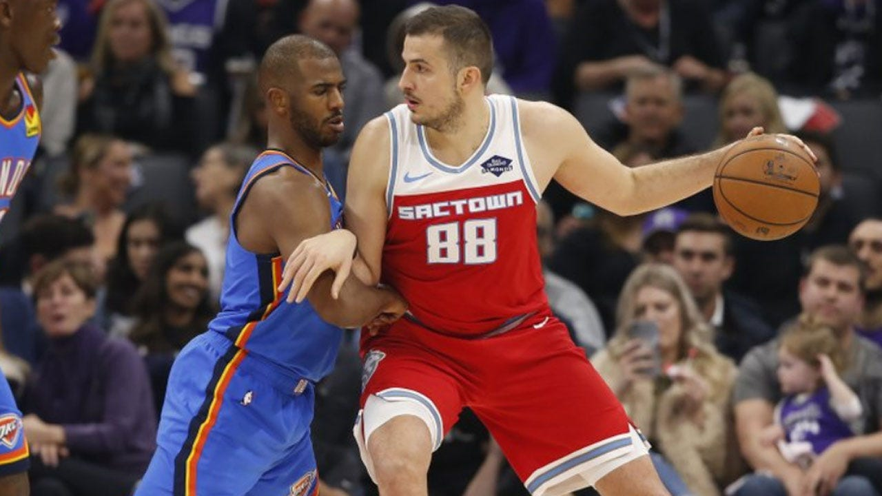 Kings Storm Back In 4th Quarter To Stun Thunder, 94-93