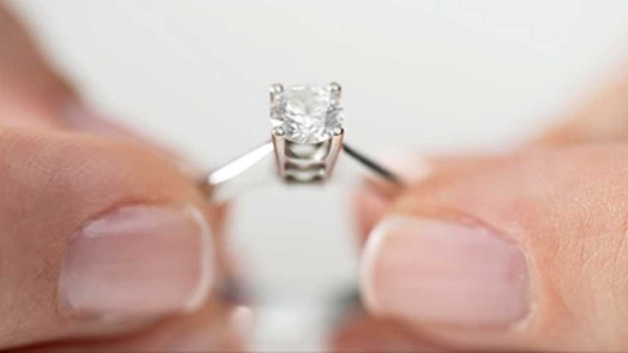 Diamond Industry Wants Women To Buy Their Own Rings