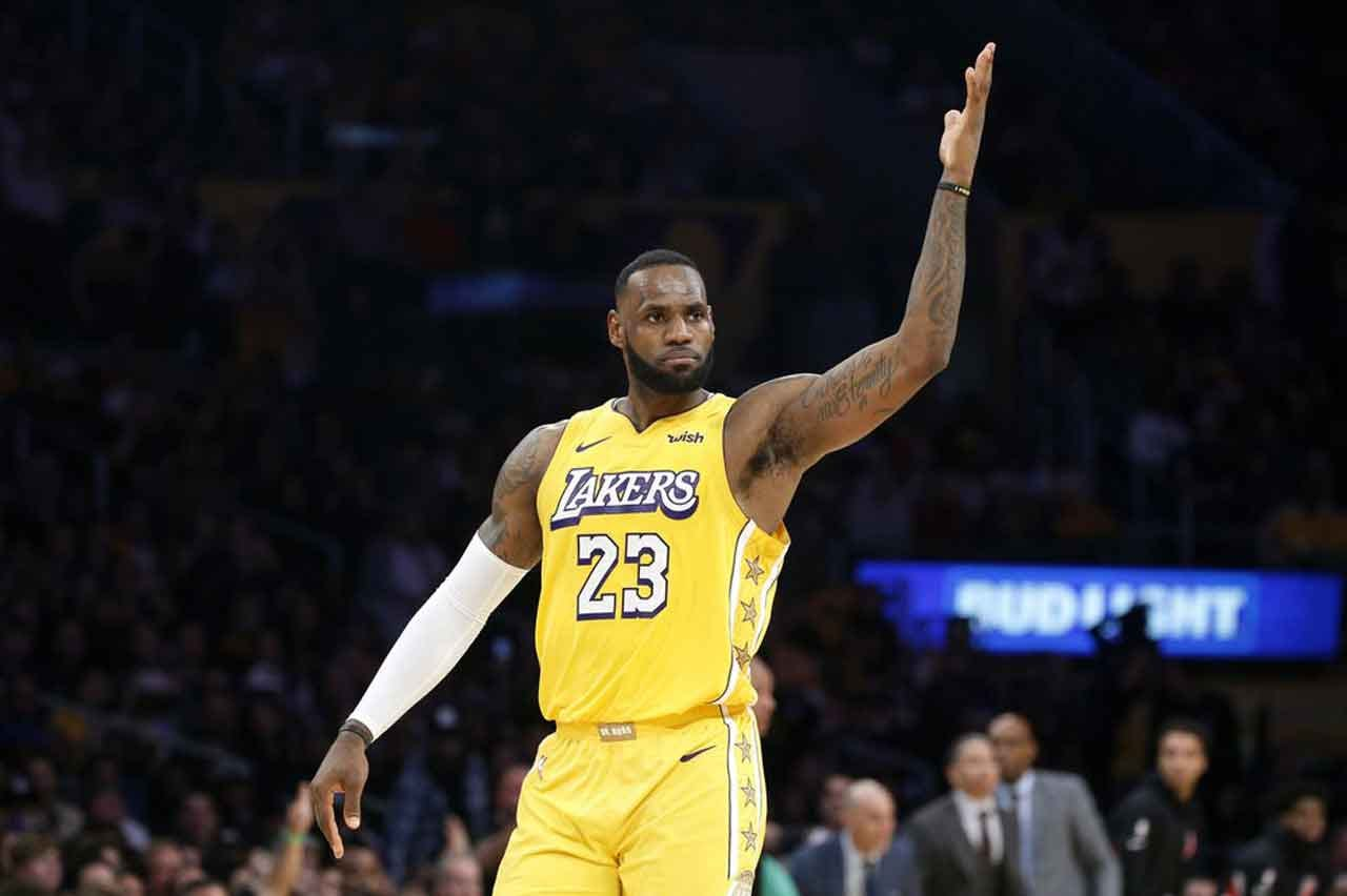 The King Reigns: LeBron James Named AP's Male Athlete Of Decade