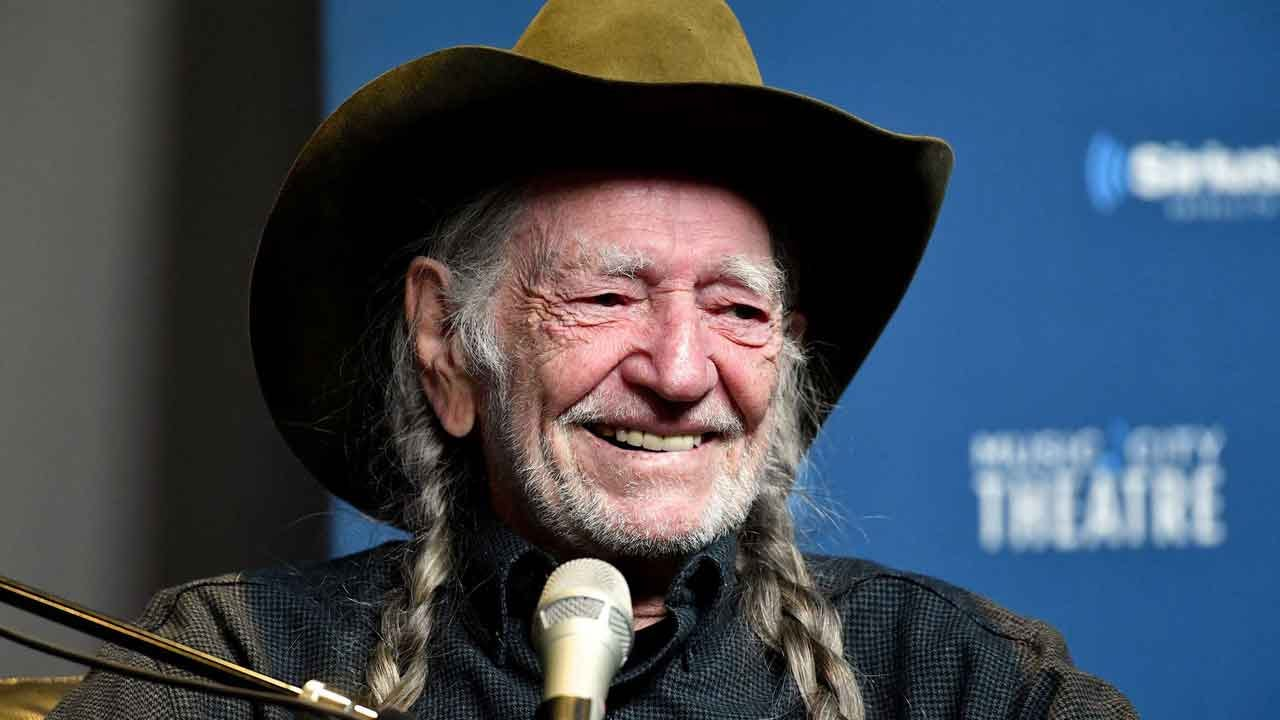'I Don't Smoke Anymore': Willie Nelson Gives Up Marijuana For Health Reasons