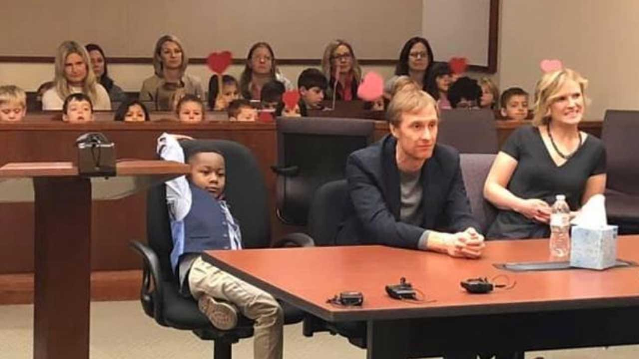 5-Year-Old Boy's Entire Class Shows Up For His Adoption Hearing