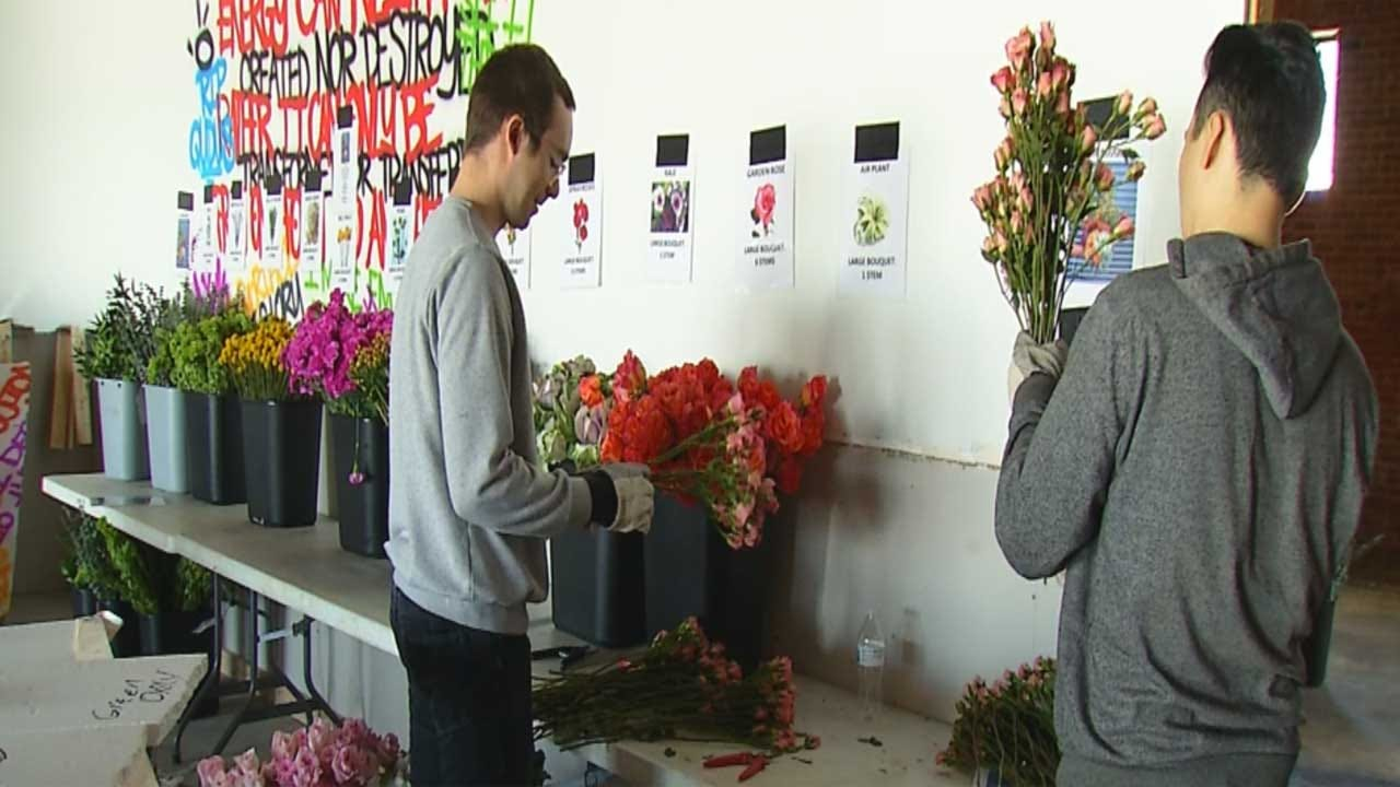 Curbside Chronicle Selling Flower Bouquets To Help Combat Homelessness In OKC