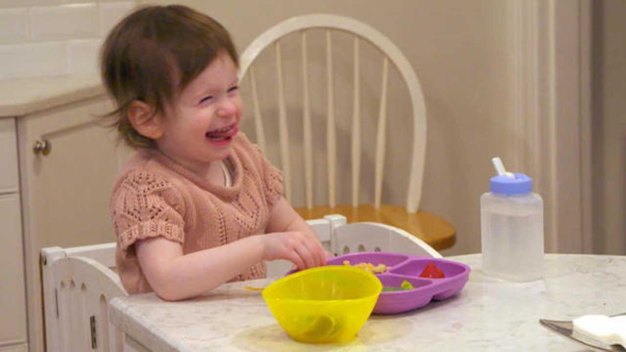 2-year-old Deaf Girl Loves People — So Her Whole Neighborhood Is Learning Sign Language