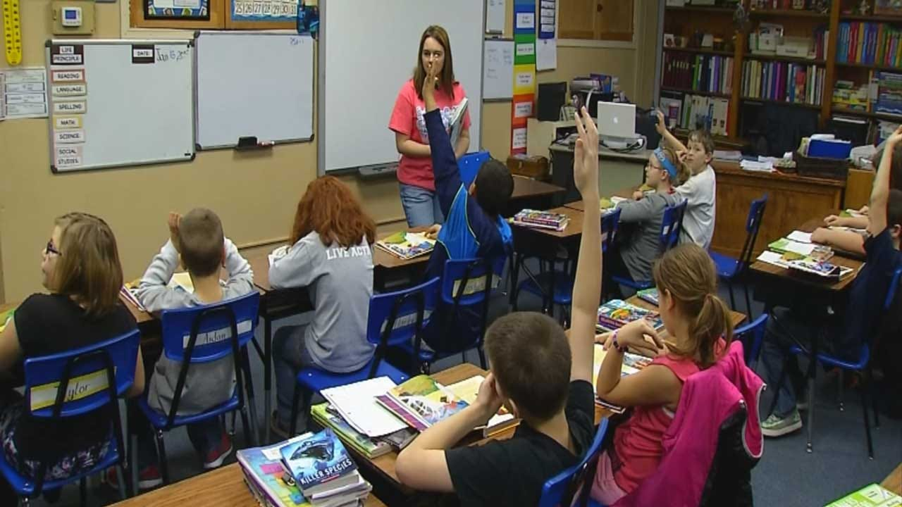 Oklahoma School Leaders Concerned About 5-Day School Week Bill