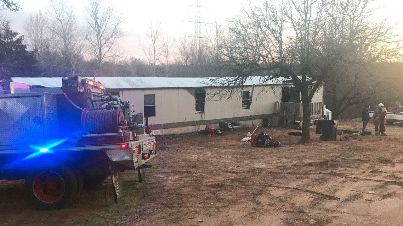 Firefighters Extinguish SE OKC Mobile Home Fire