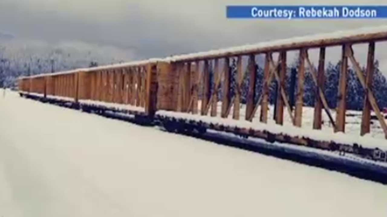 Amtrak Train With 183 Passengers Stranded For Day & A Half On Snowy Tracks In Oregon