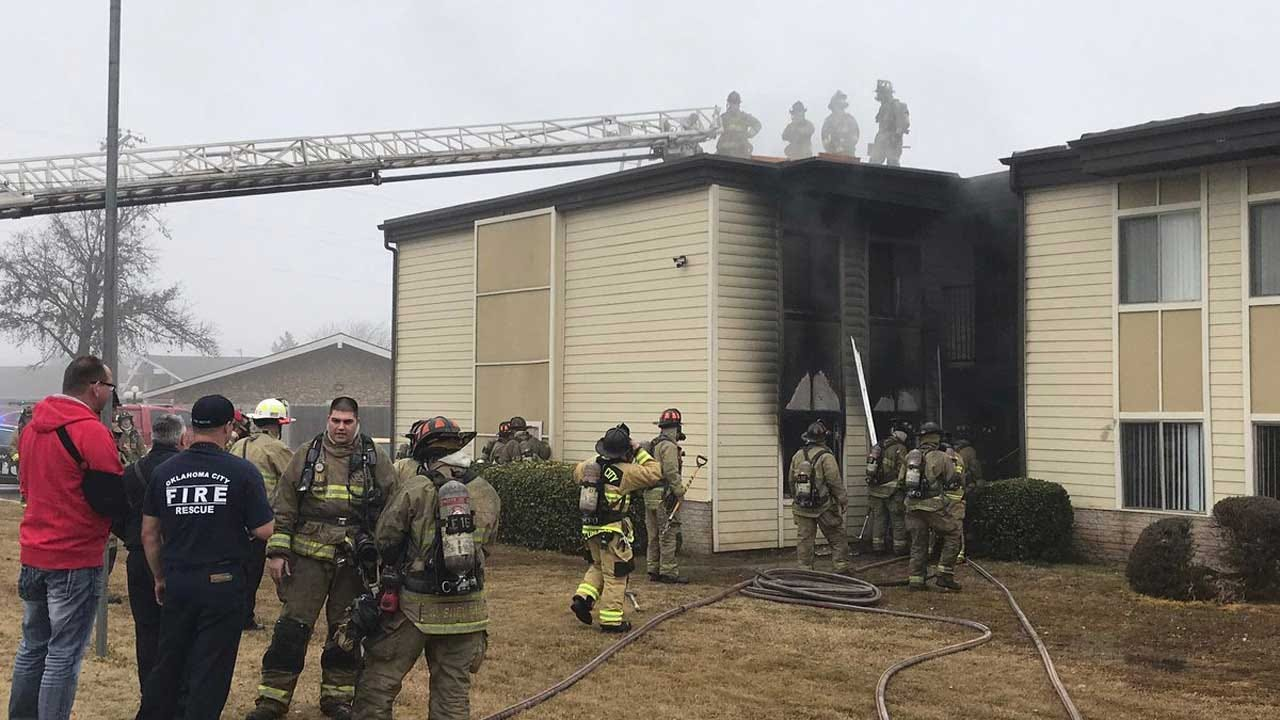 Firefighters Put Out Large SW OKC Apartment Fire