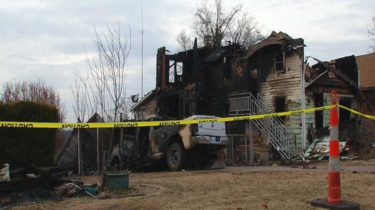 Families In Need After Massive Fire Destroys 3 Homes In Chandler