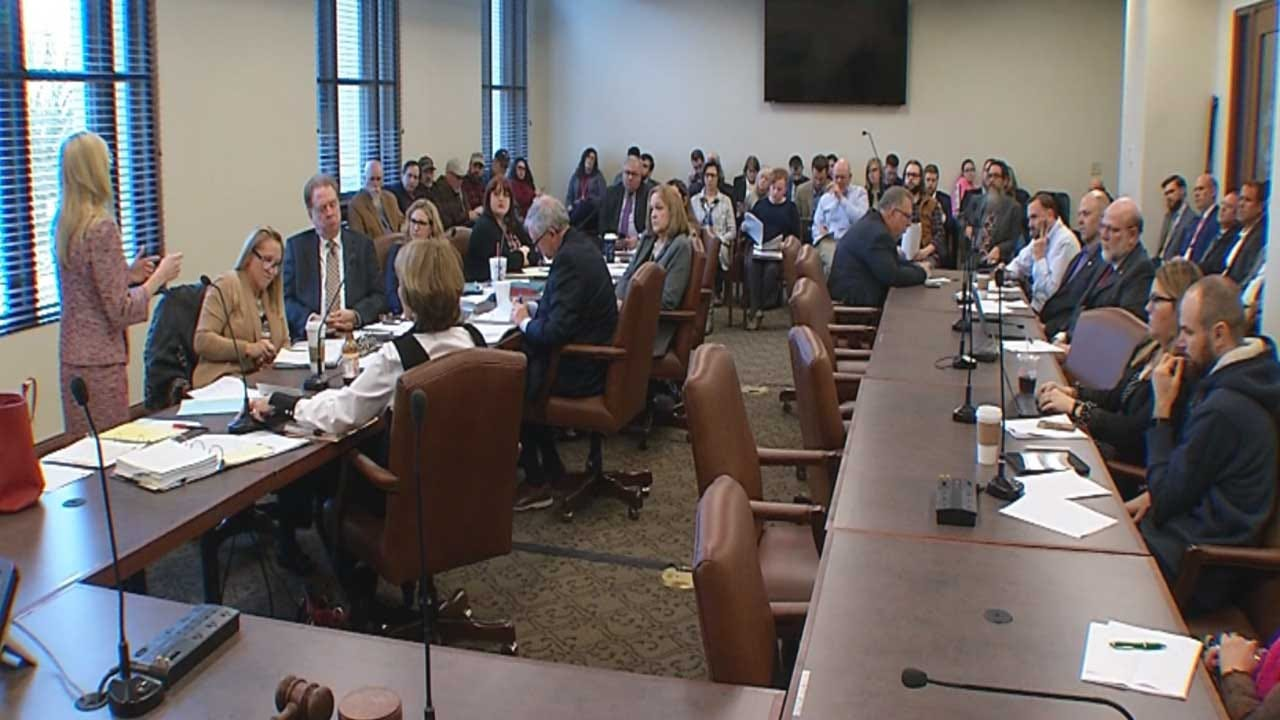 Oklahoma Ethics Commission Backs Off On Controversial Rule Concerning Lobbyist